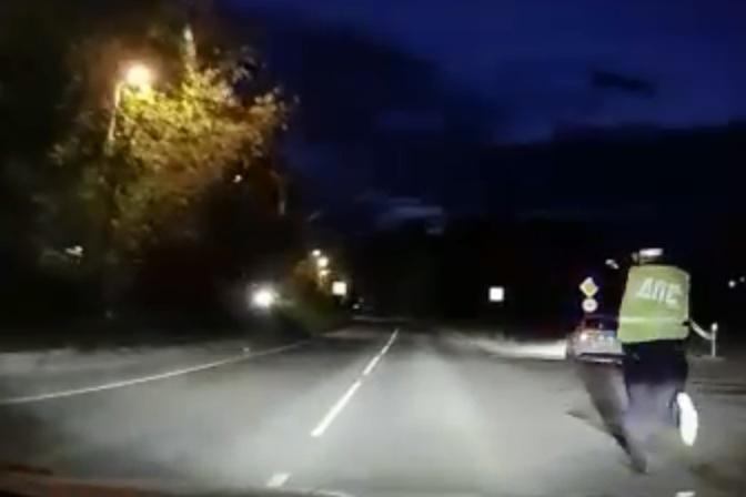 движение машин ночью как сфотографировать годы