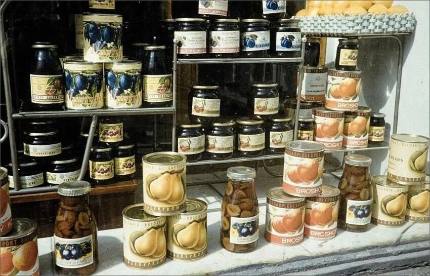 Добрые воспоминания: фотопрогулка по советским магазинам