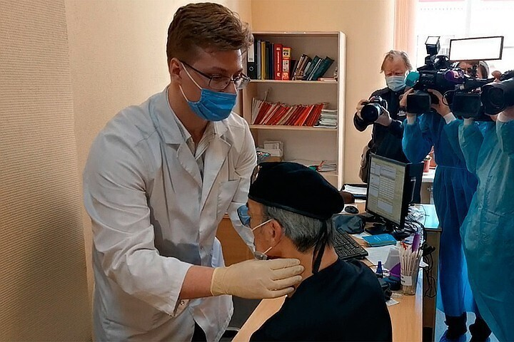 Михаил Боярский потерял сознание во время прививки