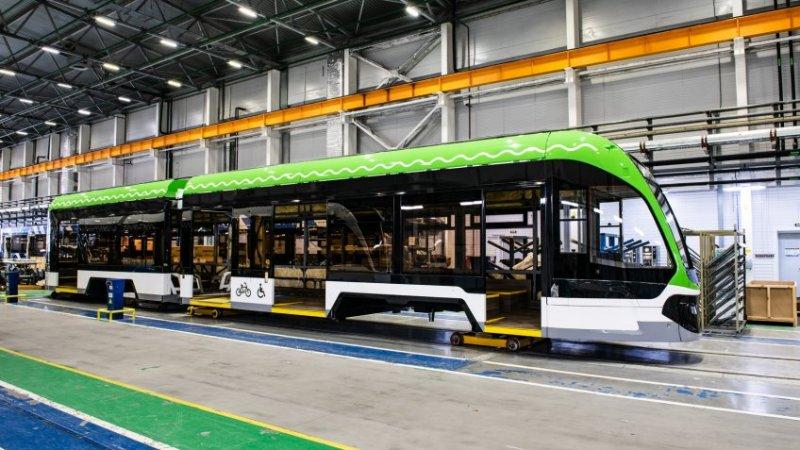 В России создали первый низкопольный трамвай для узкой колеи