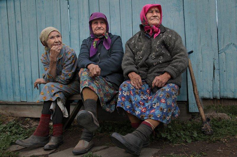 Российские женщины в два раза чаще мужчин доживают до 100 лет