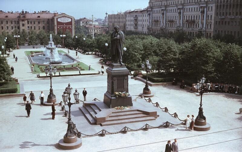 Пушкинская площадь, 1951 год