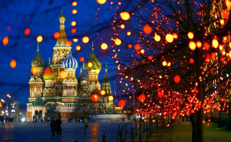 Московские власти запретили Деда Мороза и Снегурочку