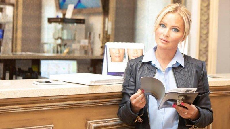 Дана Борисова назвала причину материальных трудностей российских звезд
