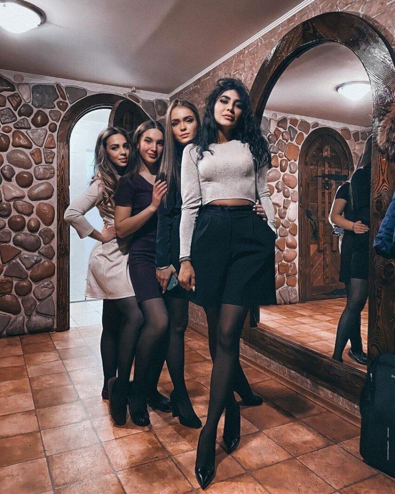 Россиянки, украсившие собой новогодние корпоративы