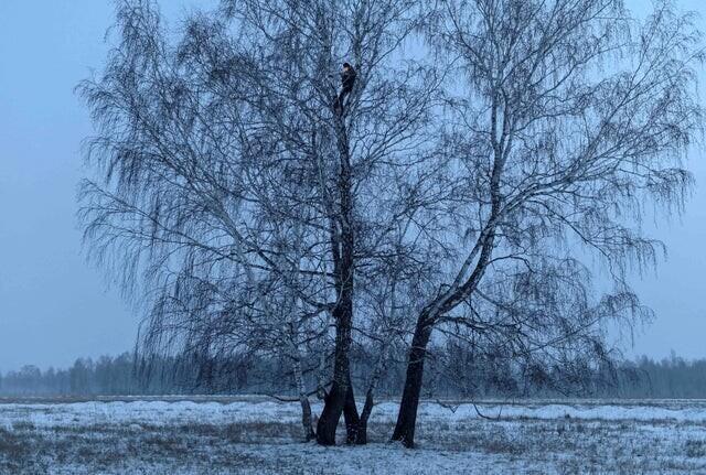 """4. """"Студентка пытается поймать интернет в отдаленном сибирском селе Станкевичи"""""""