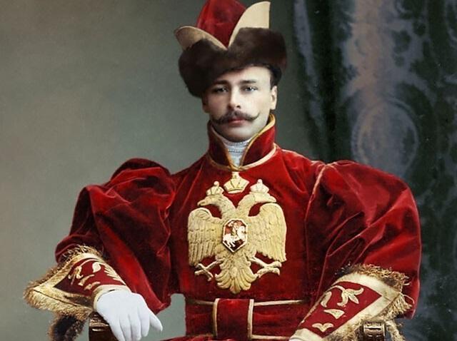 Костюмированный бал Романовых в цвете