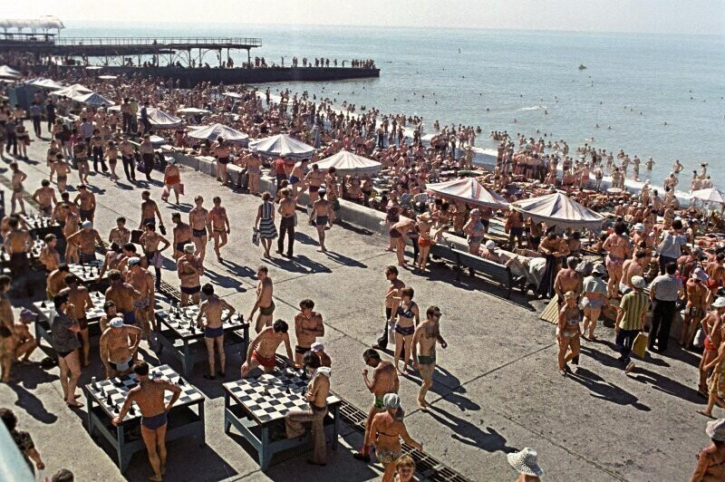 На городском пляже Анатолий Бочинин, 1978 год