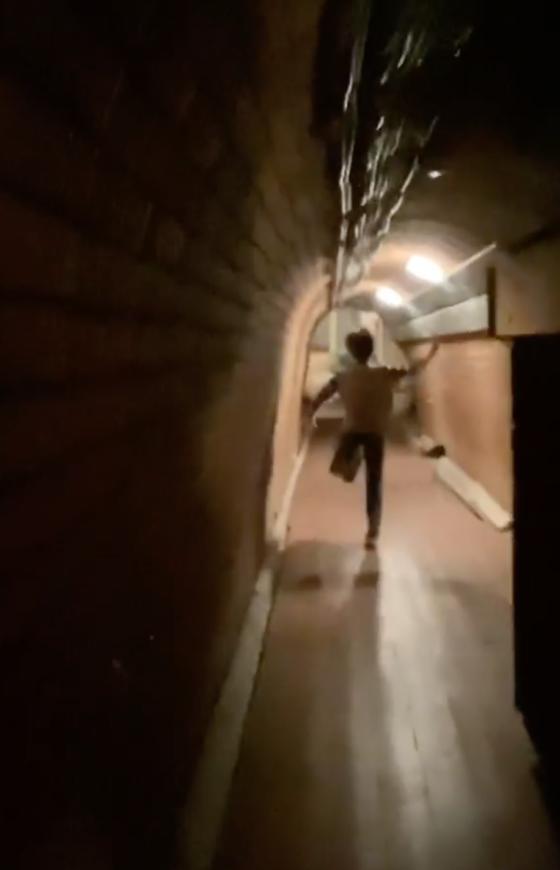 Галкин показал секретный туннель под своим замком