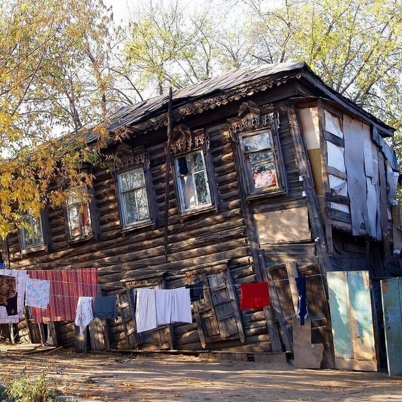 Ветхие дома, в которых все держится на честном слове