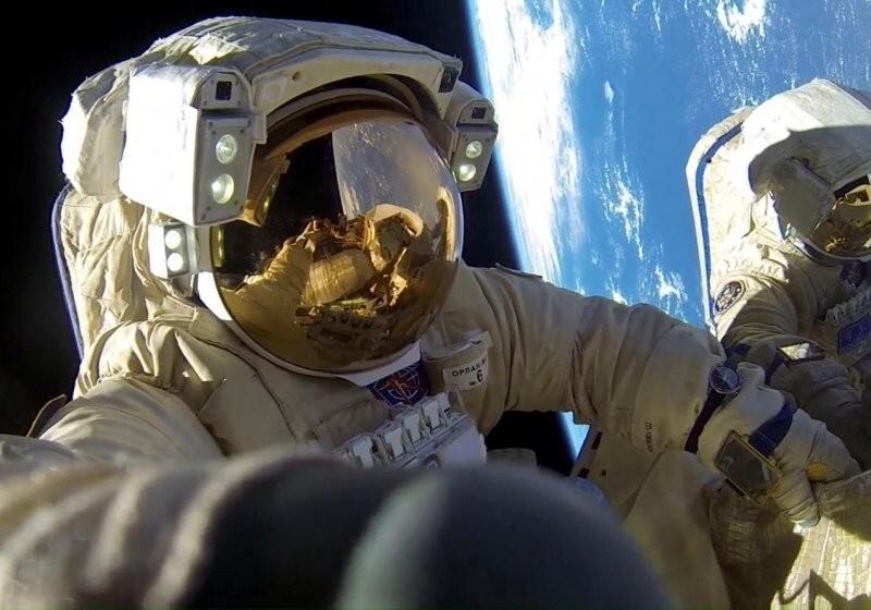 Космонавты пожаловались на низкие зарплаты