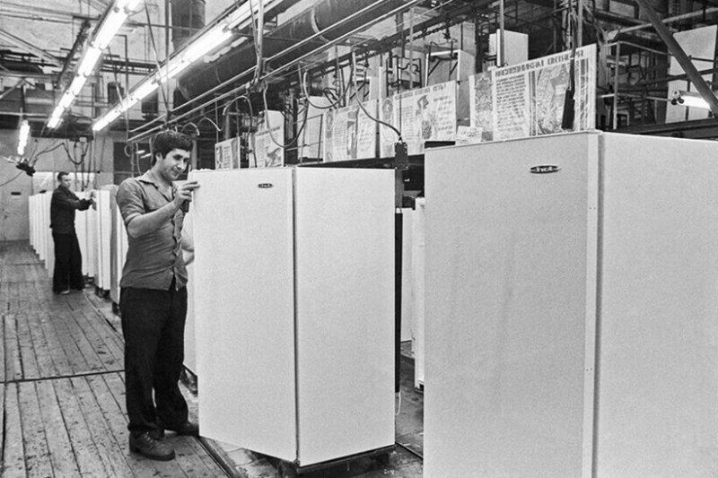 Почему в СССР холодильники были со встроенным замком