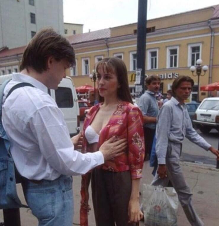 От школьниц до путан: как выглядели россиянки в 90-х