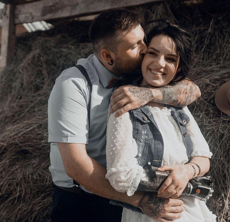 Маргарита Грачева, которой муж отрубил руки, ждет третьего ребенка