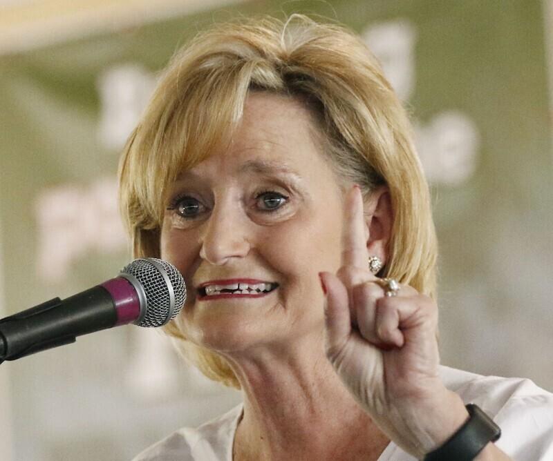 Сенатор Синди Хайд-Смит