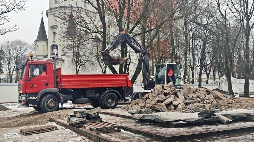Разрушение  памятника советским воинам, Литва