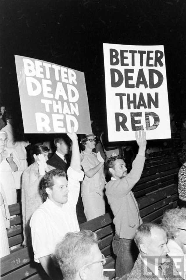 """""""Лучше мертвый, чем красный"""" на Голливудской чаше, 1961 год"""
