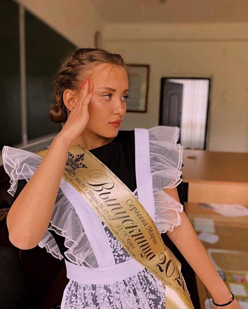 Обворожительные школьницы, ставшие украшением «Последнего звонка»
