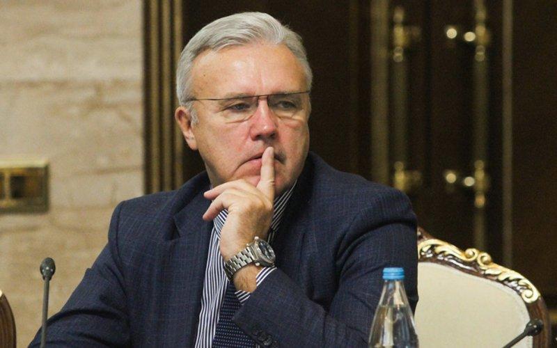 Губернатор Красноярского края потратил 2 млн рублей за пять дней