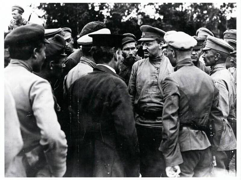 Лев Троцкий, 1918 год