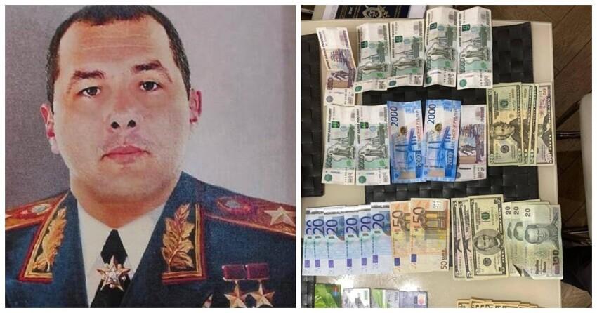У высокопоставленного гаишника нашли его портрет в форме маршала СССР