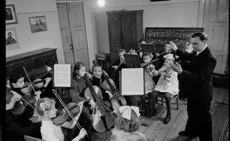 Сталиногорск (Новомосковск), в детской музыкальной школе