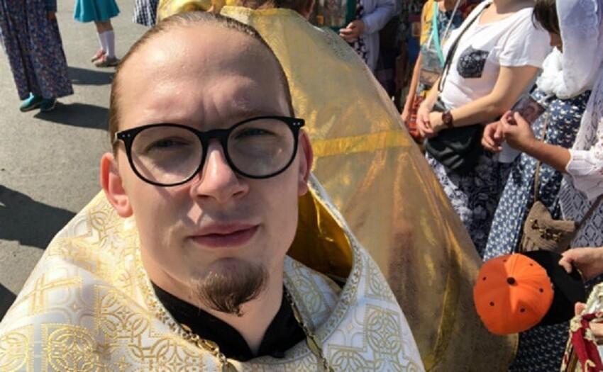 Священнику запретили службы после призыва к патриарху Кириллу раскрыть доходы