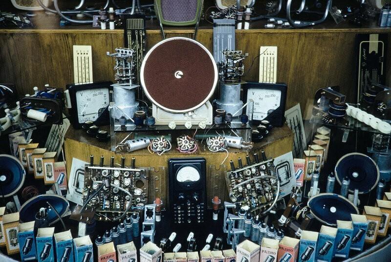 Интересный фотоотчет из магазина радиотоваров 1959 года. Цены и ассортимент