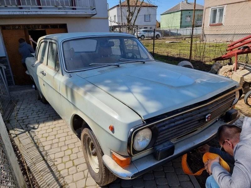 """Идеальная капсула времени: ГАЗ-24 """"Волга"""" 1985 года без пробега"""