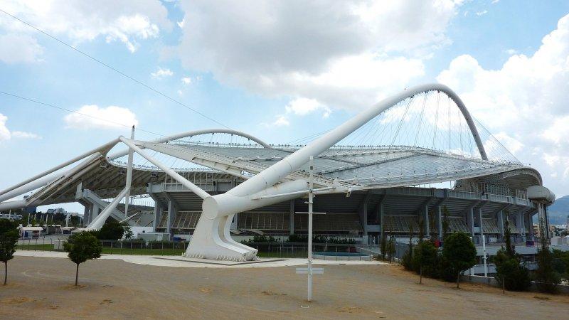 Еще в Афинах, кроме исторического,  есть и современный олимпийский стадион, очень не хилый.